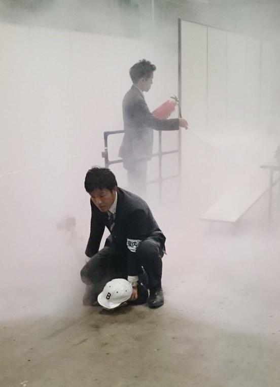 欅坂46の握手会で発煙筒、ナイフ持った男逮捕 >>> アイドルは、AI化せよ