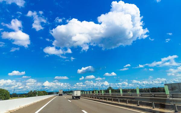 帰省ラッシュで怖い思いをした! 高速道路の最高速度制限の引き上げどう思う? >>> 賛成意見の意識の低さから反対